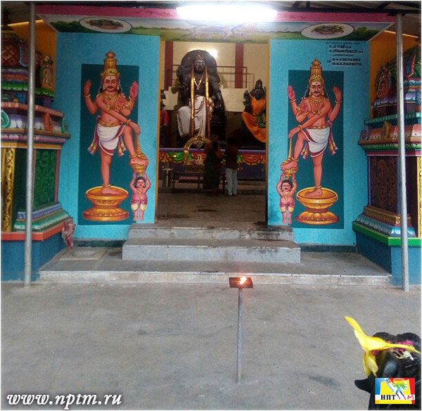 Мария Карпинская в Храме Бхагавана. Индия, Пондичерри 2018.