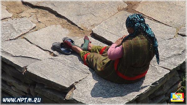 Мария Карпинская в Гималаях. Деревня Васишт. Долина Богов - Куллу. Штат Химачал-Прадеш. 2018. Фоторепортаж Марии Карпинской