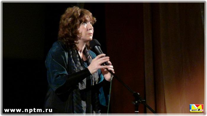 Поет Елена Камбурова 2012 год