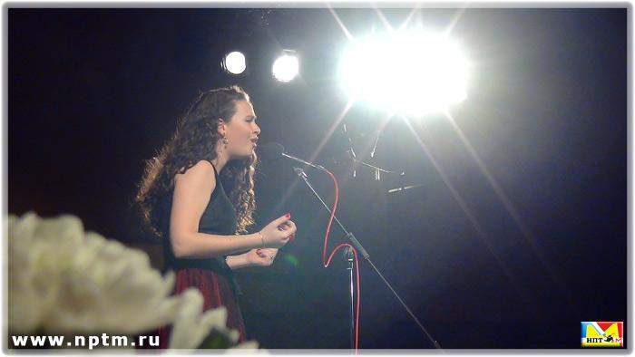 """Нина Цыбина - внучка Николая Никитского исполняет песню """"Бабочка и пчела"""""""
